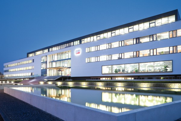 SMA Solar Technology AG, Niestetal und Kassel